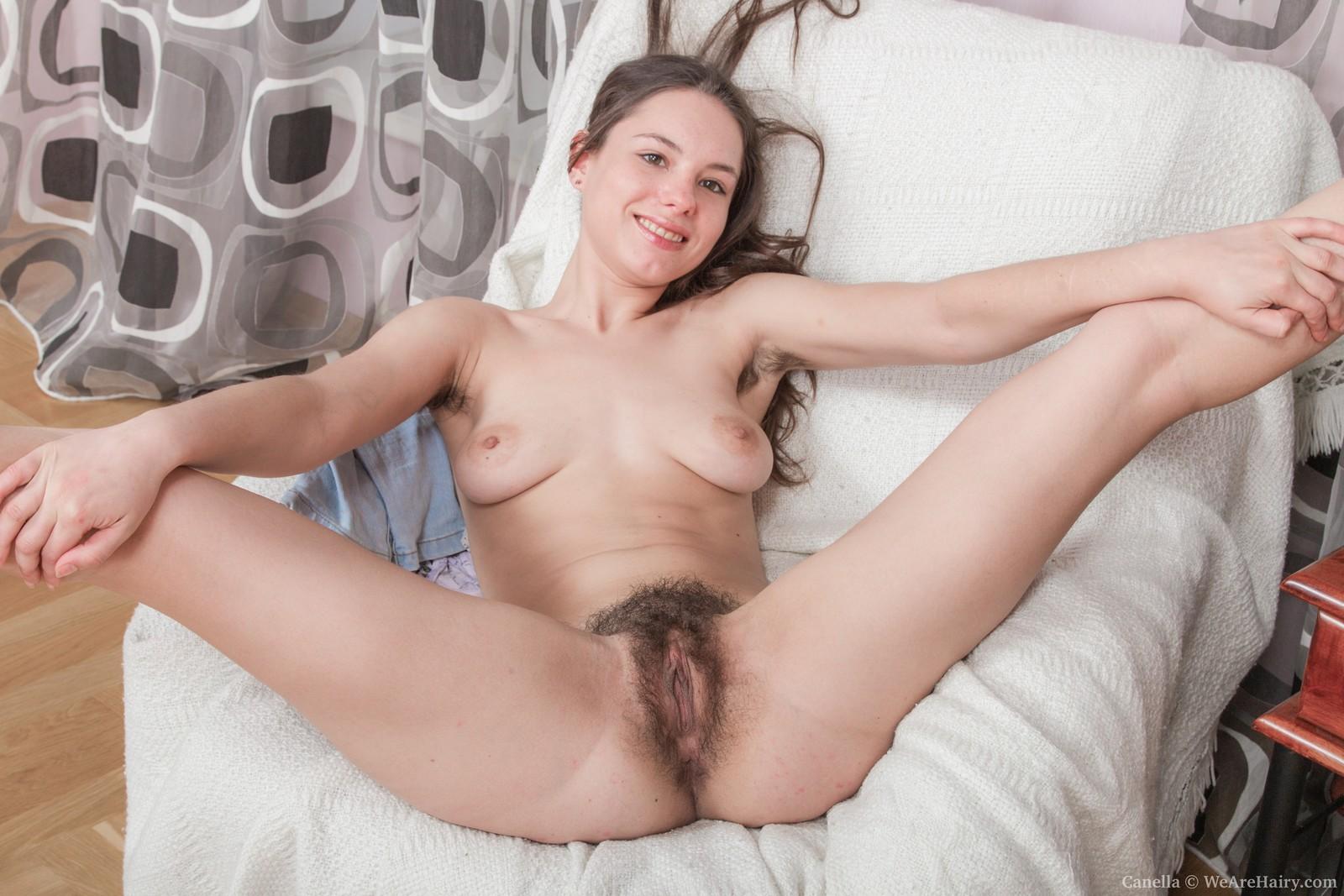 Sweatpants nude