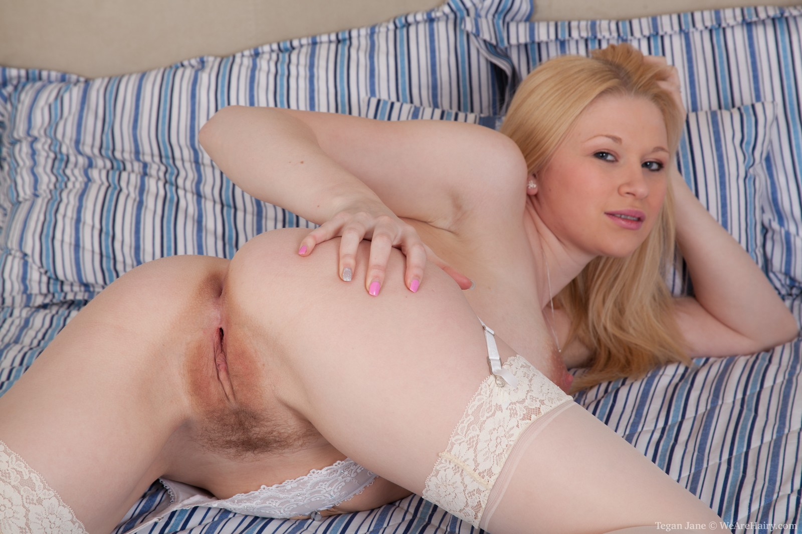 Curvy Blonde Big Tits Solo
